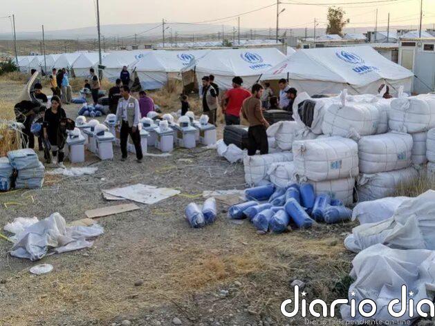 Sirios que huyen del conflicto llegan a campamentos de la Agencia de la ONU para los Refugiados (Acnur) en la vecina Iraq. La alta comisionada de la ONU para los Derechos Humanos denuncia que grupos al amparo de Turquía cometen crímenes y exacciones contra civiles en Siria. Foto: Acnur